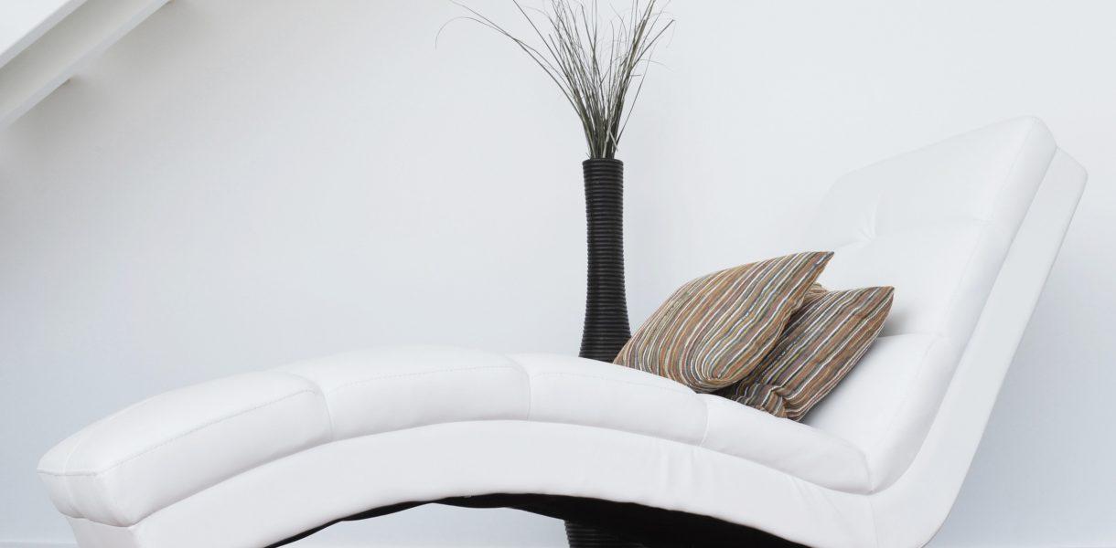 Le fauteuil en cuir blanc : bonne ou mauvaise idée